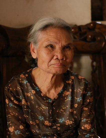 Bà Út luyến tiếc thời đất ruộng vẫn nuôi được người nông dân